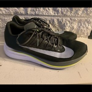 Nike Zoom Fly - Size 11